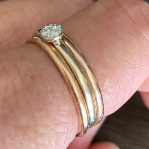14 k stacking rings with diamonds
